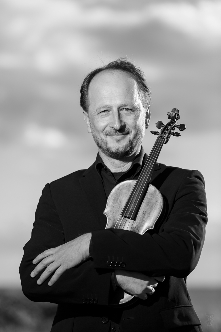 Peter Spissky, Maria Valdmaa ja Tallinna Kammerorkester (Käina)